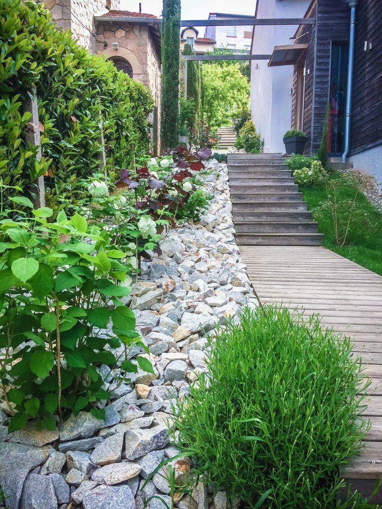 transformer son jardin en escalier